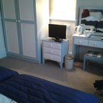 Clean, well presented, well equipt room with VERY Comfortable beds