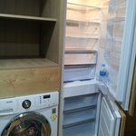 Refrigerator & crisper/freezer and washing machine