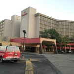 Ramada Kansas City Hotel and Conference Center resmi
