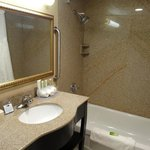 Photo de Holiday Inn Express North Bergen - Lincoln Tunnel