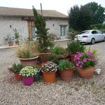 The courtyard of Domaine de Rudel. Lovely pots.