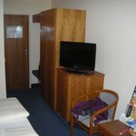 Small room, nice flat screen TV