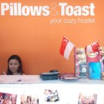 Pillows & Toast Foto