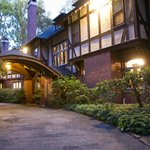 Gramercy Mansion porte cochere at dusk