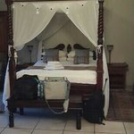 Four poster with Pure cotton comfort
