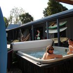 Foto van Raglan Backpackers and Waterfront Lodge