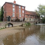 Foto Old Mill Hotel and Restaurant
