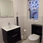 Rowantree cottage bathroom