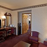 Photo de Americas Best Value Inn & Suites - Waukegan / Gurnee