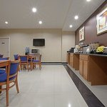 Foto de Americas Best Value Inn Brooklyn