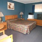 Scottish Inns Westmoreland NY, King bed smoking