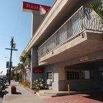 Photo de Ramada Marina Del Ray