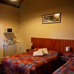 Foto Adventure Lodge & Motel