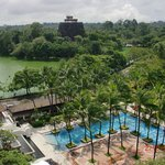 Foto de Chatrium Hotel Royal Lake Yangon