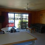 Photo de Cedarwood Lakeside Holiday Resort
