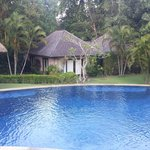 Pool and seperate villa