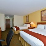 Фотография Holiday Inn Express Hotel and Suites Petersburg / Dinwiddie