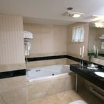 Jacuzzi King Bathroom
