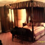 Four poster bed in Dora's room