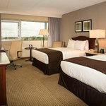 Deluxe Double Guestroom features DoubleTree by Hilton Sweet Dreams Bedding Packages