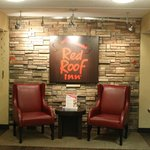 Rockford, Red Roof Inn #035
