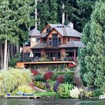 Cottage Lake Gardens Bed and Breakfast Foto