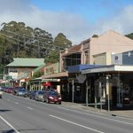 Downtown Warburton - on way to Three Sugars for breakfast.