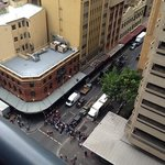 Photo de Meriton Serviced Apartments Pitt Street