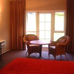 Motel Accommodation at Wallaceville House with view of garden
