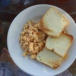 scrambled eggs (yummy)
