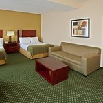 Foto van Holiday Inn Express and Suites Indianapolis East