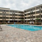 Holiday Inn Greenboro Airport Swimming Pool