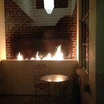 Private Fireplace Courtyard With Adjoining Rooms. Good for Friends --like a Jack & Jill Fireplac