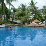 Horizon Karon Beach Resort & Spa resmi