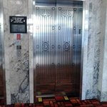 Wonderful marble surroundings, lovely art deco style elevator