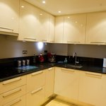 Luxurious 3 Bedroom Apartment kitchen