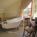 Sadly the bath was never used but it look fantastic-never had the time!