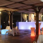 Barras de bar con led zona chill out-ACANTO