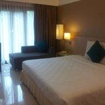 Photo de Novotel Surabaya Hotel and Suites