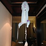 more towel art, is it a monkey or a ghost :-)