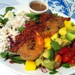 Their Cobb Salad comes with Prawn, Lobster & Mango ... Yum!