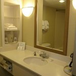 Palm Coast Hotel - Guest Room Bathroom
