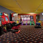 Holiday Inn Hotel & Suites Maple Grove - Arbor Lakesの写真