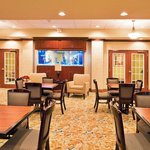 Фотография Holiday Inn Express Hotel & Suites Bartow