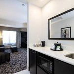 2 Queen Studio Suite Wet Bar