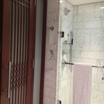 Bathroom & Shower stall