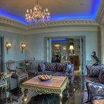 The Royal Blue Suite Living room