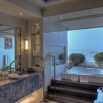 The Royal Suite Panoramic Bathroom