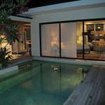 "Temptation Villa ""Rosado"" Night View"