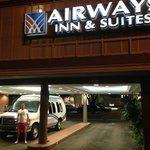 Airways Inn & Suites resmi